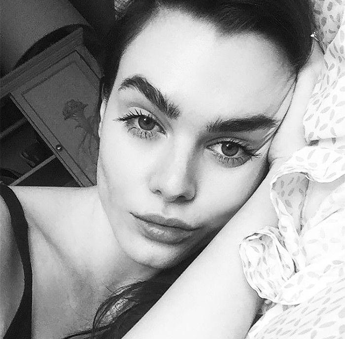 A British Model Reveals Her No-Makeup Makeup Routine via @ByrdieBeautyUK