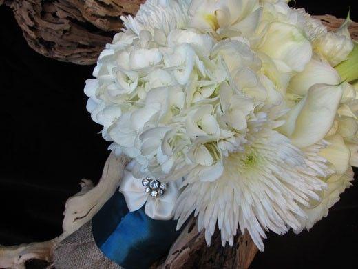 White Bouquet: Spider Mums + Hydrangeas + Calla Lilies