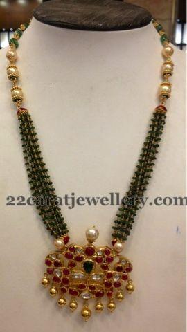 Jewellery Designs: Beads Classy Kundan Set 51 Gms