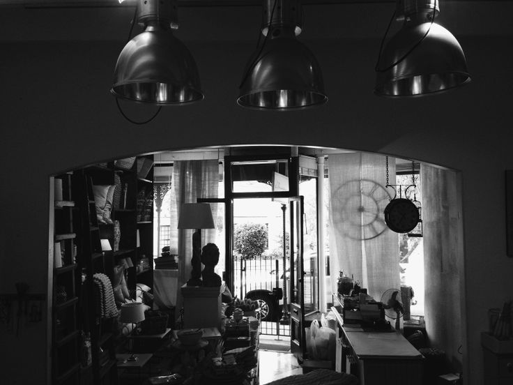 The shop, in monochrome | L'Orangerie