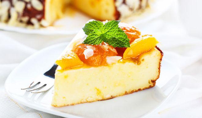 Leichter Low Carb Aprikosen-Pfirsich-Käsekuchen