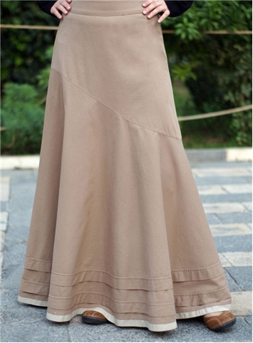 Asymmetrical Flared Skirt  [[[[With a different coloured fabric... perhaps mixed patterns w/ a common colour theme?! <3]]]]