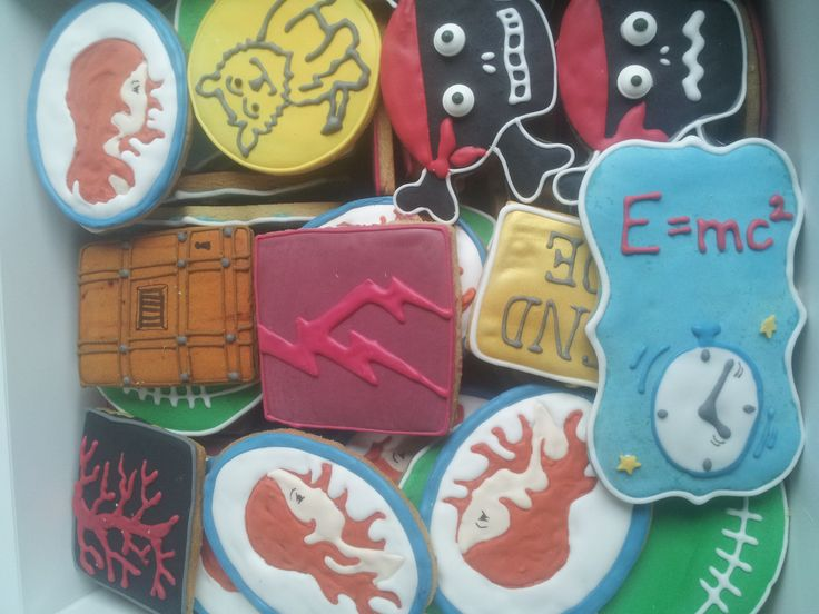 Cookies from The Cake Cafe. Or should we call them bookies. We asked the Cake Cafe to make cookies with designs inspired by our book covers. They were amazing! And tasted yummy too! http://www.thecakecafe.ie/