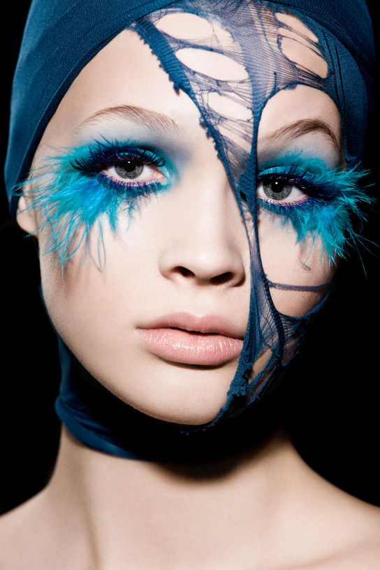 Feather Lashes. Love.