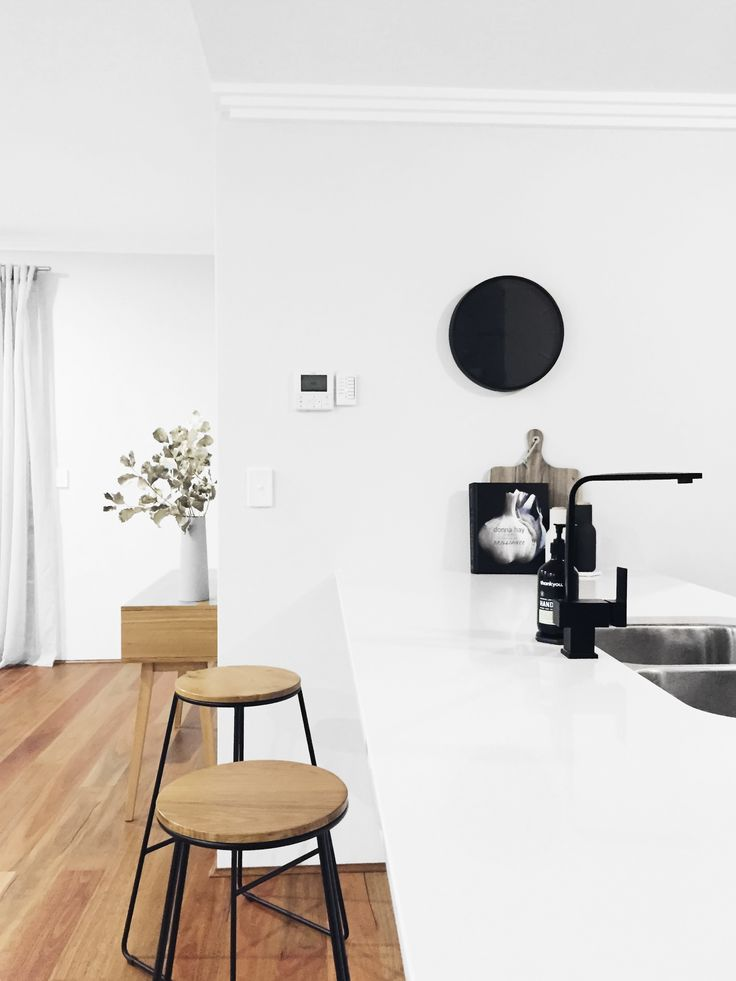 #MeirBlack looking its best against a clean palette & rich natural timber in this humble abode by the talented @houseamour . #meir #meiraustralia