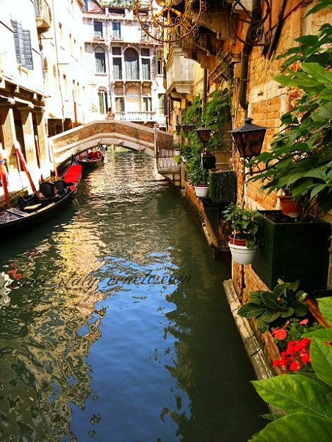 Sempione Restaurant Venice. Don't bother to eat here rather look at some of the other restaurants I recommend on the site.  Ciao Maria