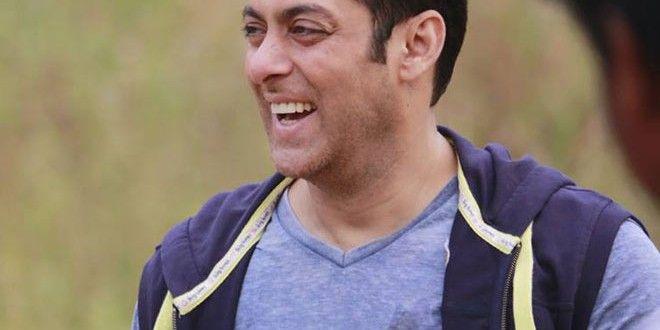 Not Farah Khan, It's Salman Khan Who will Host Bigg Boss 8 Finale | Salman Kingdom