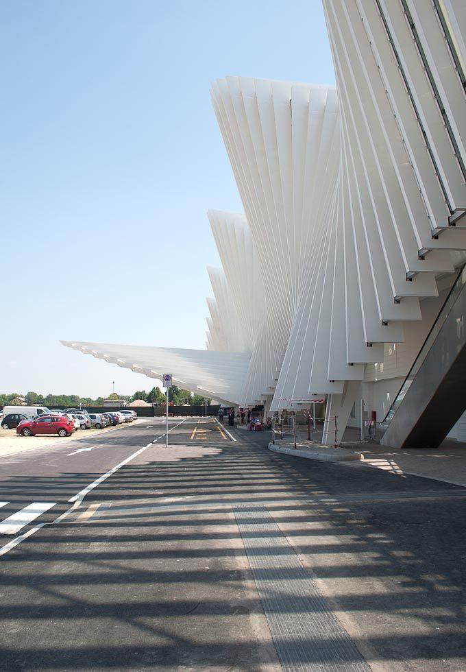 Santiago Calatrava, Stazione di Reggio Emilia AV Mediopadana ©Robertosabaphotography.com #arquitectura #architecture