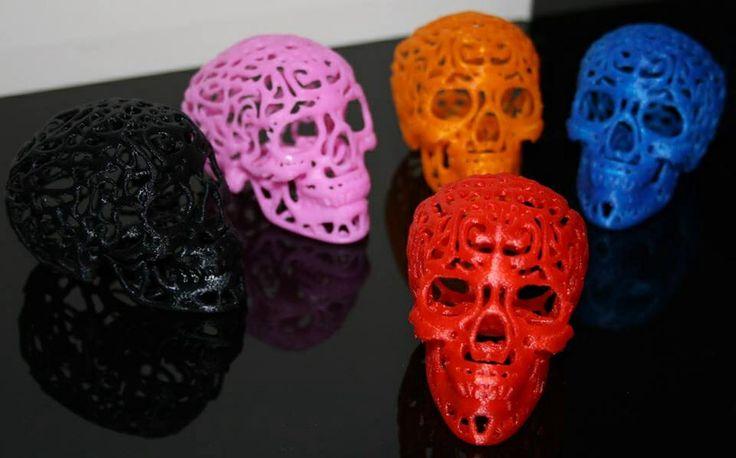Impression 3D&Co Vue détaillée de Cranium Fourni avec une lampe led de la couleur de votre choix (rose, bleu ou blanc) A n'utiliser qu'avec la lampe led fournie. Le prix proposé correspond à une impression faisant 49,7x74,4x53,5. Article en PLA (Bioplastique à base d'amidon de maïs) D'autres tailles ou proportions disponibles