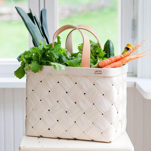 Verso Design Lastu birch basket for bicycle, leather handles | Bike accessories | Outdoor | Finnish Design Shop