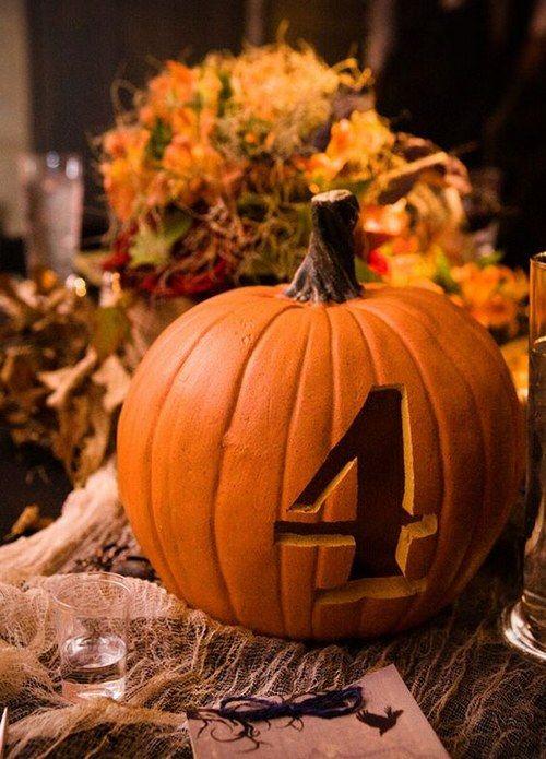 Fall Pumpkin Wedding Centerpieces / http://www.himisspuff.com/fall-wedding-ideas-themes/10/