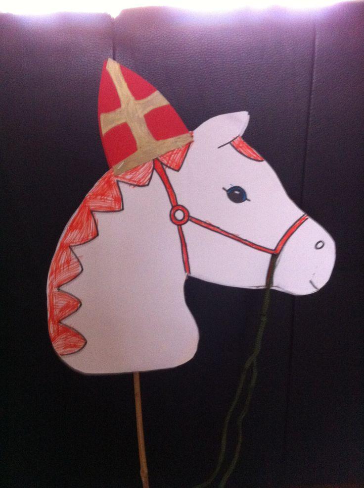 Stokpaard sinterklaas #knutselen #sinterklaas #DIY #kinderen #kids #doe-het-zelf #stokpaard