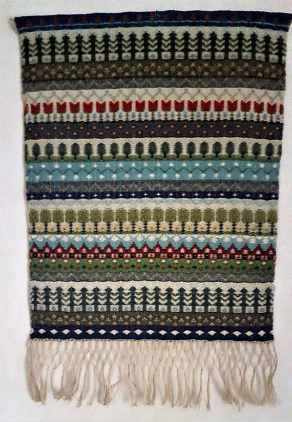 Scandinavian wall hanging hand woven with Rosengång and