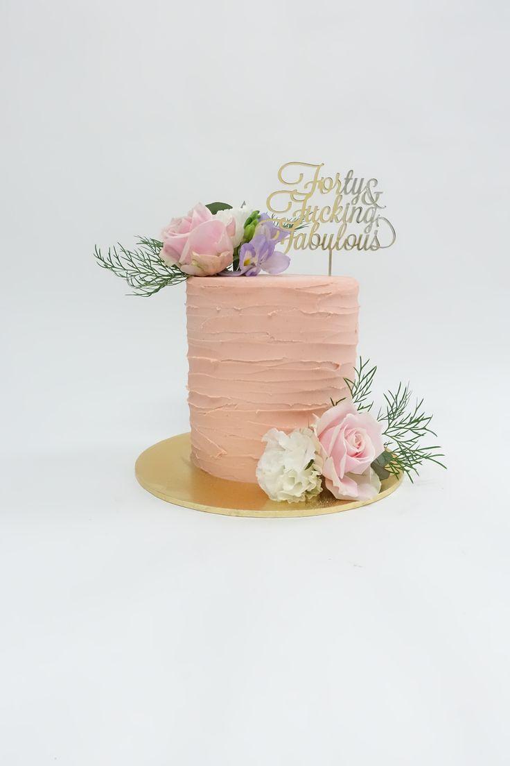 #topper #forty  #floralcake #birthdaycake #cake #vanillapod #vanillapodspecilatycakes #brisbanecakes #weddingcake #brisbaneweddingcakes #brisbanecafe #noveltycakesbrisbane #studiot55