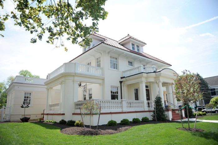 Once You Set Foot Inside This Charming Pennsylvania Bed Breakfast You Ll Never Want To Leave In 2020 Bed And Breakfast Pennsylvania Historic Attractions