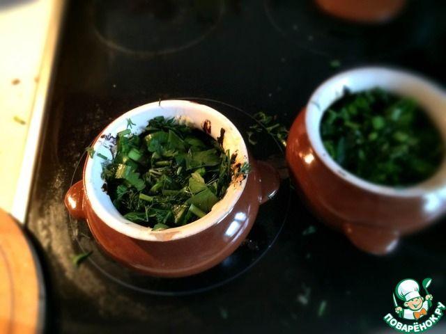 Домашние пельмени в горшочках с томатной пастой и грибами ингредиенты