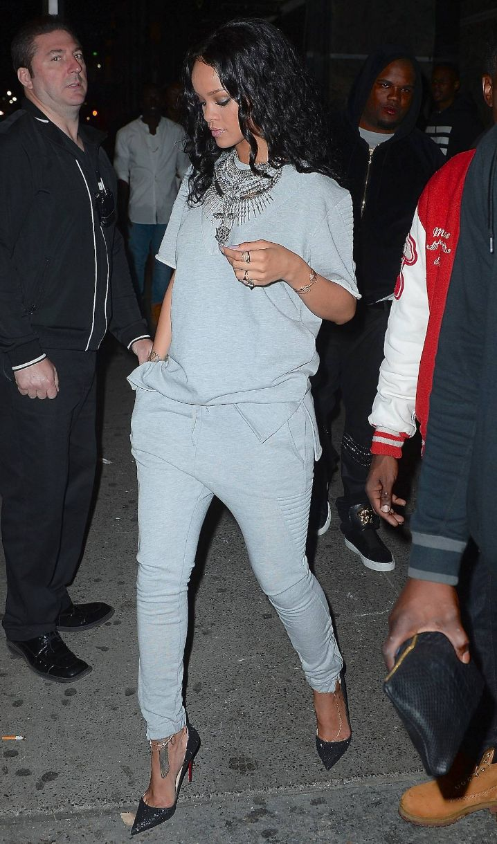 rihannanavyhn:  Rihanna in NYC last night.