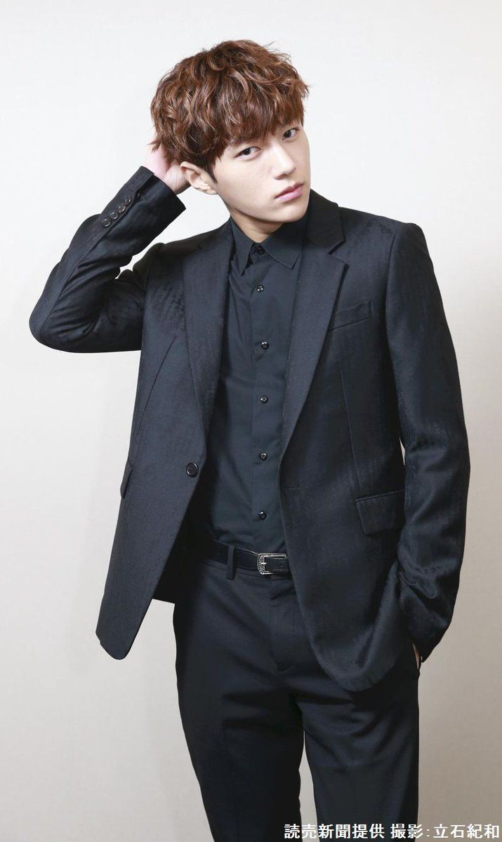 L as handsome as always :))