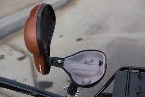 secret compartment - could hold keys for bike lock?