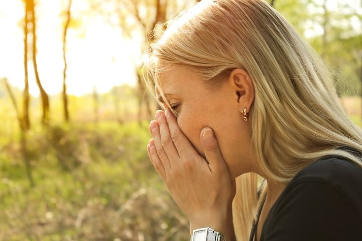 This year, enjoy spring: Learn about what causes spring allergies, and what you can do to minimize spring allergy symptoms.