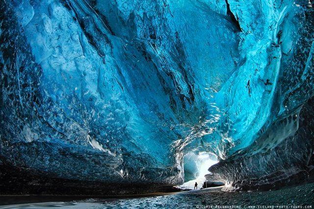 大自然が長い月日をかけて生み出した幻想的に美しい「氷の洞窟」の内部写真27枚 - DNA