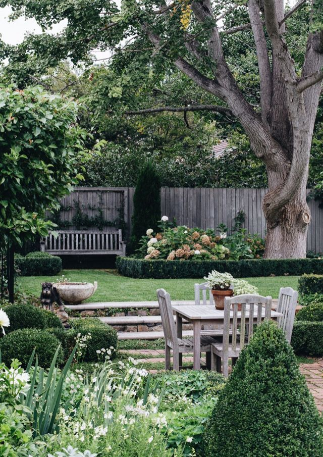 An Amazing Garden Space That Is Only Four Years Old Love It Amazing Garden Ideas Backyards In 2020 Dream Garden Backyard Garden Design Backyard Landscaping Designs
