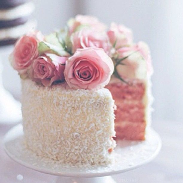 Shabby chic cake decor