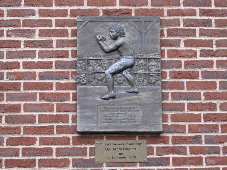 Mendoza plaque
