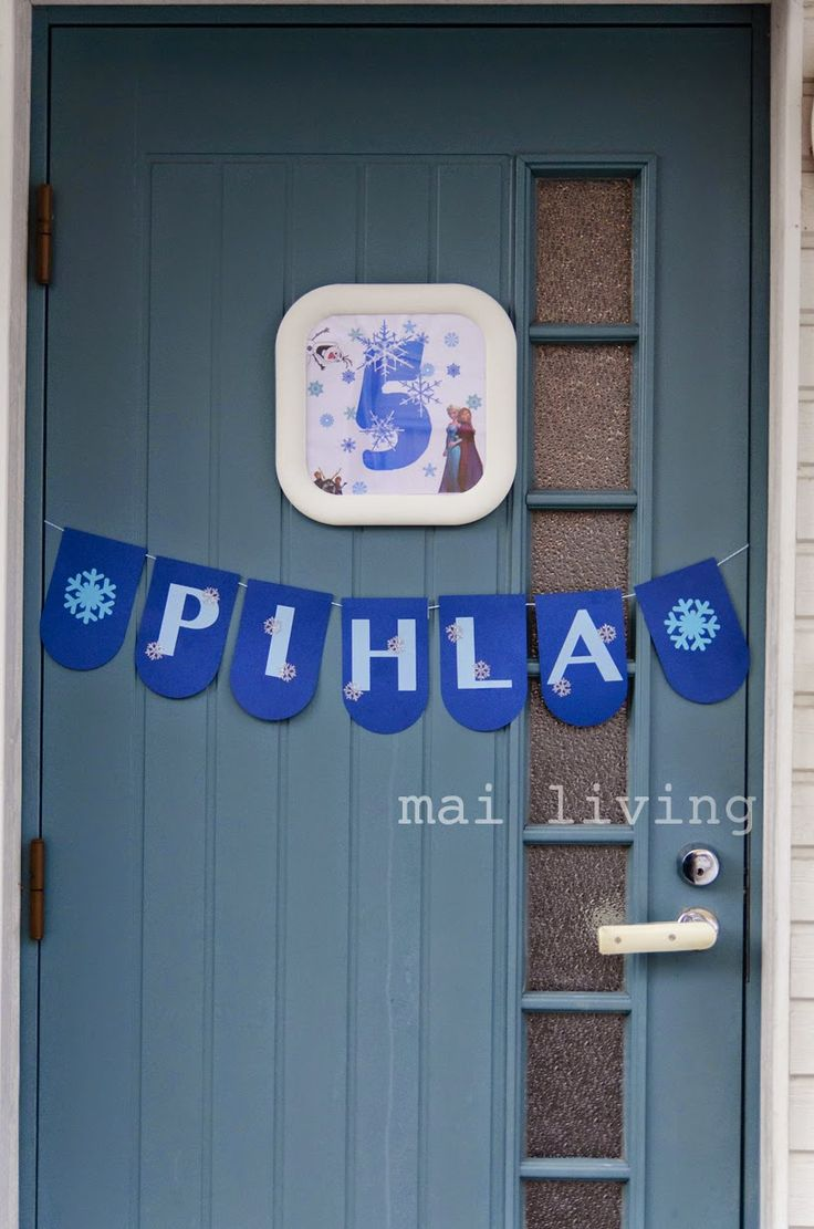 Frozen party, door decor / mai living