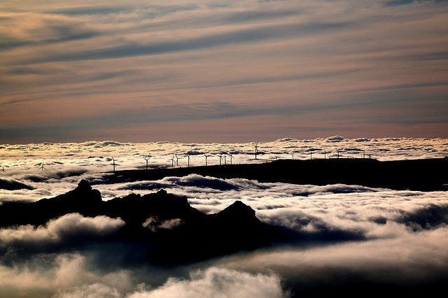 There is more wind above the clouds