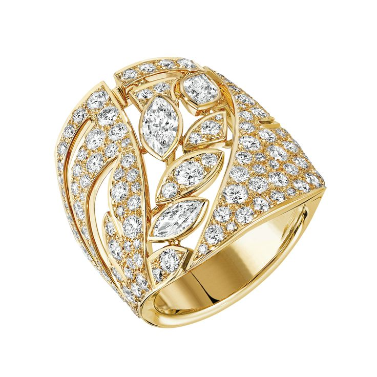 Champ de Blé #Ring from #LesBlesDeChanel - #Chanel - #FineJewelry collection in 18K yellow gold set with 143 #BrilliantCut - #Diamonds (2.9 carats) and 3 #MarquiseCut diamonds - July 2016