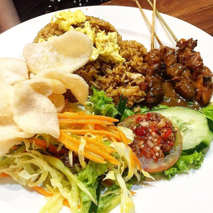 Eat pray nasi goreng   :@alexischeong  #food #bali #holiday #nasigoreng #traveling #wanderlust #globetrotter #travel #travelblogger #flatlays #flatlay #flatlayoftheday #lunch #yummy #acolorstory #foodlover #tumblr #foodforfoodie #style #foodie #foodblogger #madeswarung #samsunglife #like4like #likeforlike #l4l #thebalibible #tagforlikes #followforfollow