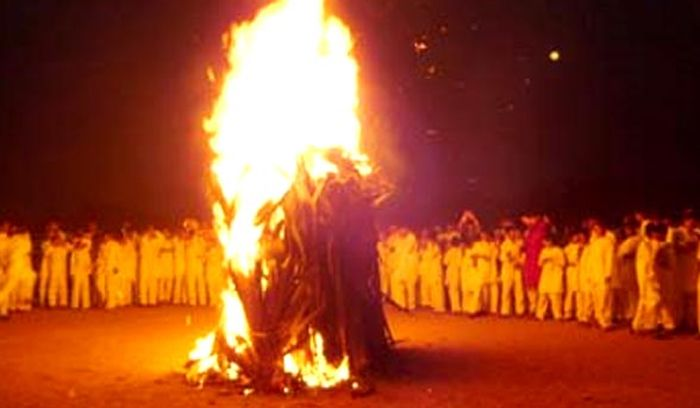 14 people injured in blast during 'Holika Dahan' in Rajasthan Read complete story click here http://www.thehansindia.com/posts/index/2015-03-06/14-people-injured-in-blast-during-Holika-Dahan-in-Rajasthan-135725