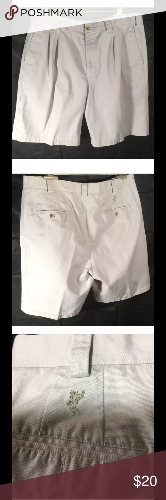 """ASHWORTH MENS CHINO SHORTS 36 waist 21"""" long Very nice men's shorts with no flaws. No missing buttons or rips, holes or tears. No stains. There is an extra button.  Tag size: 36 waist measurement: 18"""" (36"""") total length: 21"""" (from top of waist to bottom of hem) leg opening: aprox. 13""""  freshly laundered fast shipping Shorts Flat Front"""
