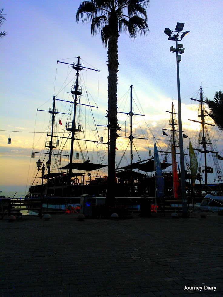 Ship in Side
