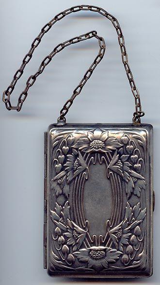 Art Nouveau compact and change holder