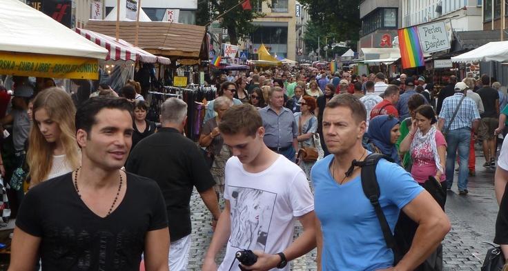 DordrechtPride Wil je als organisatie ook nog in aanmerking komen voor een gratis kraam op onze festivalmarkt, reageer dan snel lennart@dordrechtpride.nl