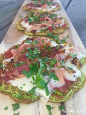 Vaffelpizza med ost og parmaskinke --> madbanditten.dk