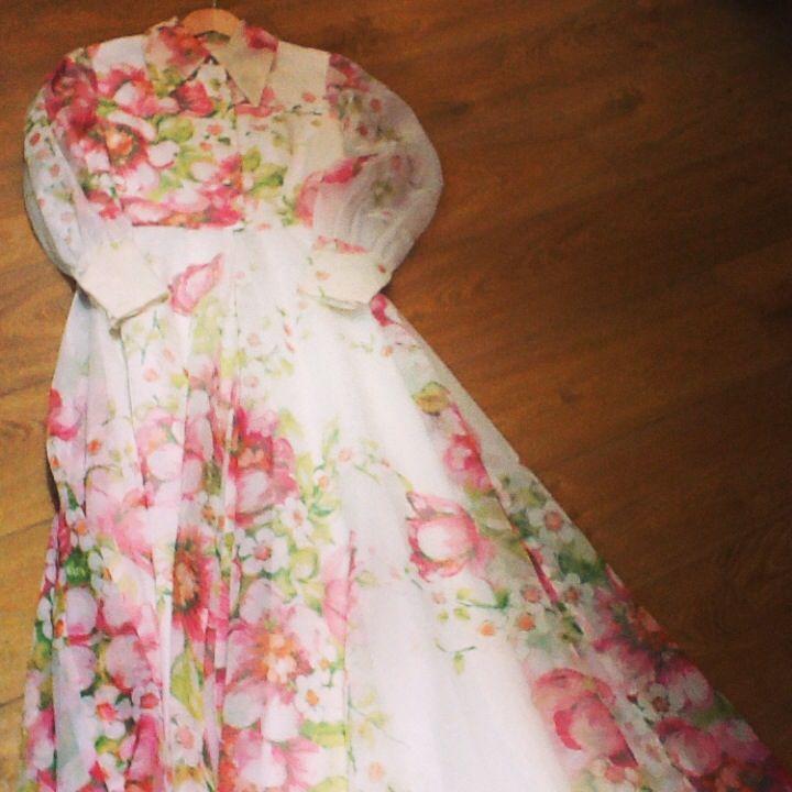 Miss Daisy Blue 1970s floral maxi