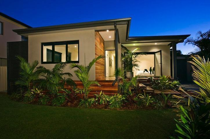 The front deck and landscaping featured in one of the KMH Projects homes at Beverley Park, Sydney. This property was designed by Poppy Home at Carss Park, Sydney.