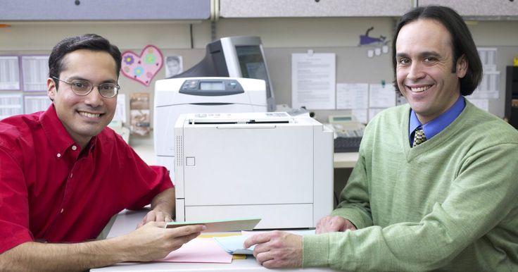 Cómo desarmar la impresora Brother MFC240C. La impresora multifuncional de inyección a tinta Brother MFC240C posee diversos componentes que se pueden extraer de la impresora para realizar labores de limpieza y mantenimiento. Saber cómo desarmar tu Brother MFC240C te ayudará a limpiar la máquina de forma más eficiente y a identificar problemas con sus componentes internos. Cuando desarmes tu ...