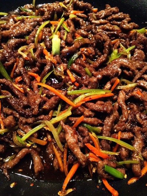 Easy Szechuan Beef Recipe - Chinese Takeout in less than 30 mins! I'd add szechuan peppercorns to this sauce and ditch the sriracha