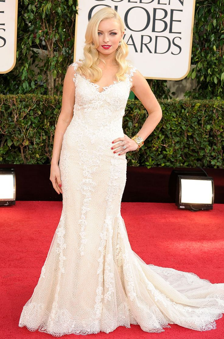 Francesca Eastwood basically wore a wedding dress to the Golden Globes and I am totally ok with that. Stunning.