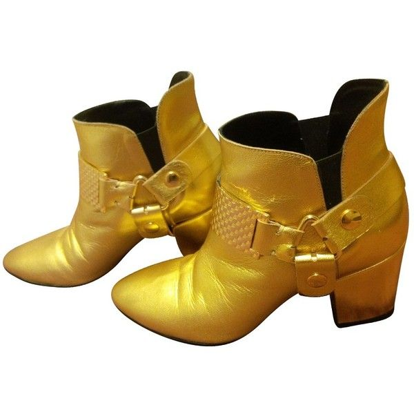Pre-owned Ankle boots in gold ($235) ❤ liked on Polyvore featuring shoes, boots, ankle booties, gold, gold ankle boots, wide width boots, gold boots, wide boots and bootie boots