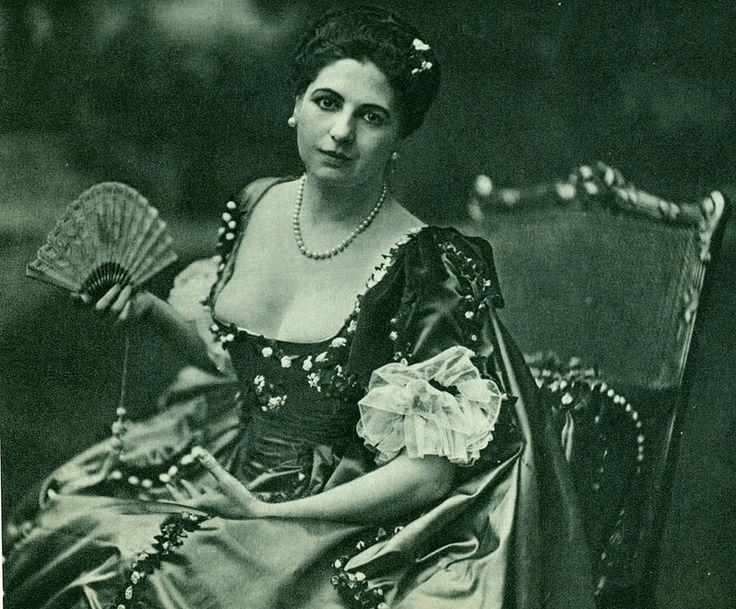 a biography of mata hari a seductive spy in the 1900s 100 years ago mata hari faced the firing squad as a convicted dutch spy it was at this moment that the legend of mata hari, the seductive spy, was born.