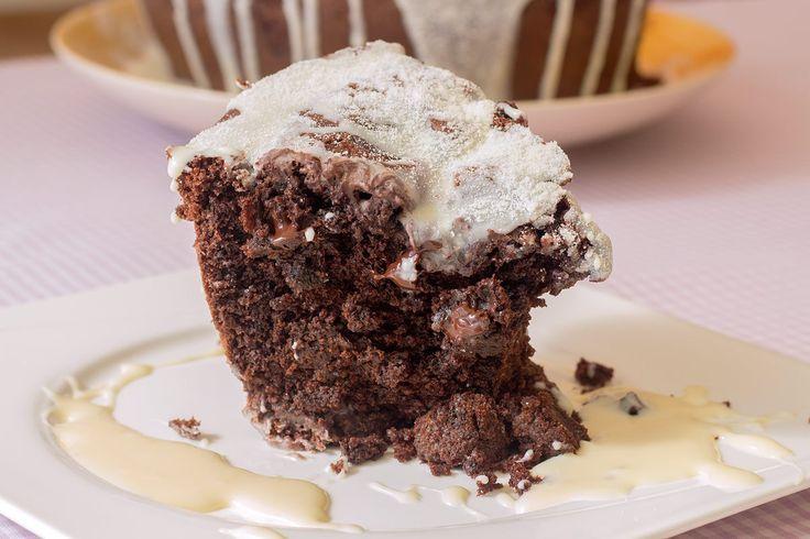Bolo de Chocolate com Cobertura Cremosa de Leite Ninho
