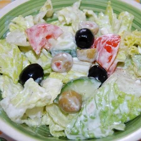 Olajbogyós saláta joghurttal és túróval Recept képpel - Mindmegette.hu - Receptek