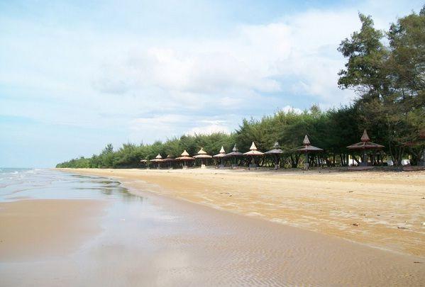 Pantai Lombang - https://panwis.com