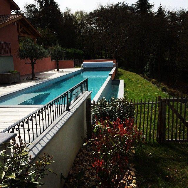 Une petite baignade? #piscine #gite #bonheurboheme #maisondhotes #Ecully #onlylyon #lyon La piscine de rêve : couloir de nage 20 mètres, bassin de nage tout en longueur!