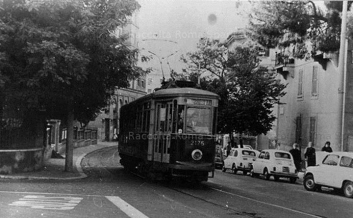 Foto storiche di Roma - Garbatella. Tram STEFER linea 5 Anno: 1965